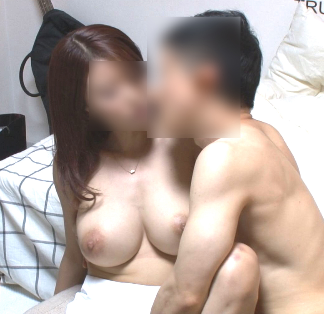 FC2 PPV 1135455 8/13 new work A bar Izakaya that greatly increases the sexual desire of a woman