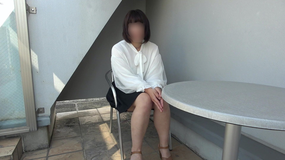 FC2 PPV 1397813 *Only 1000pts off now! Nasty wife who masturbates on the balcony of the morning ❤️ Wife