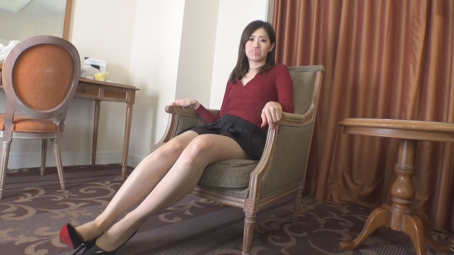 FC2 PPV 1539892 The super beautiful leg model is finger masturbation and anal is also tingling ♪ Man hair