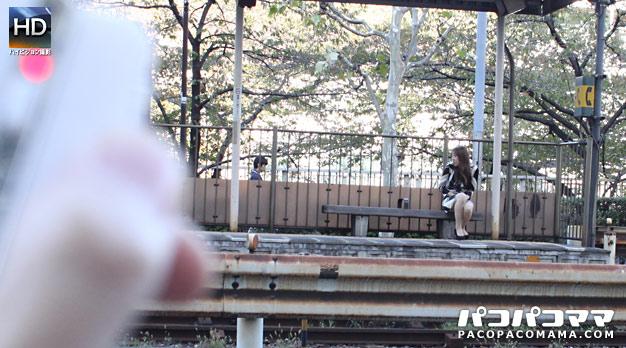Pacopacomama 051111_366 Ritsuko Kawamura Wearing a mature woman playing with fire