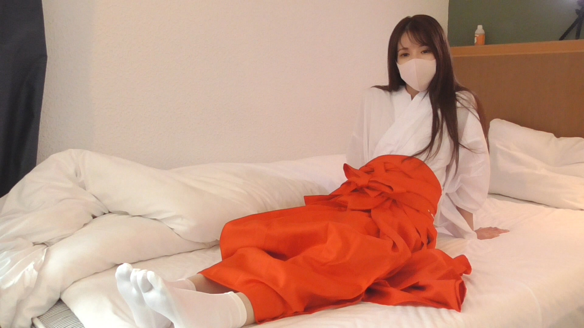 FC2 PPV 1648598 When I put on Misa-chan's shrine maiden clothes, her innocence improved, but her erotic
