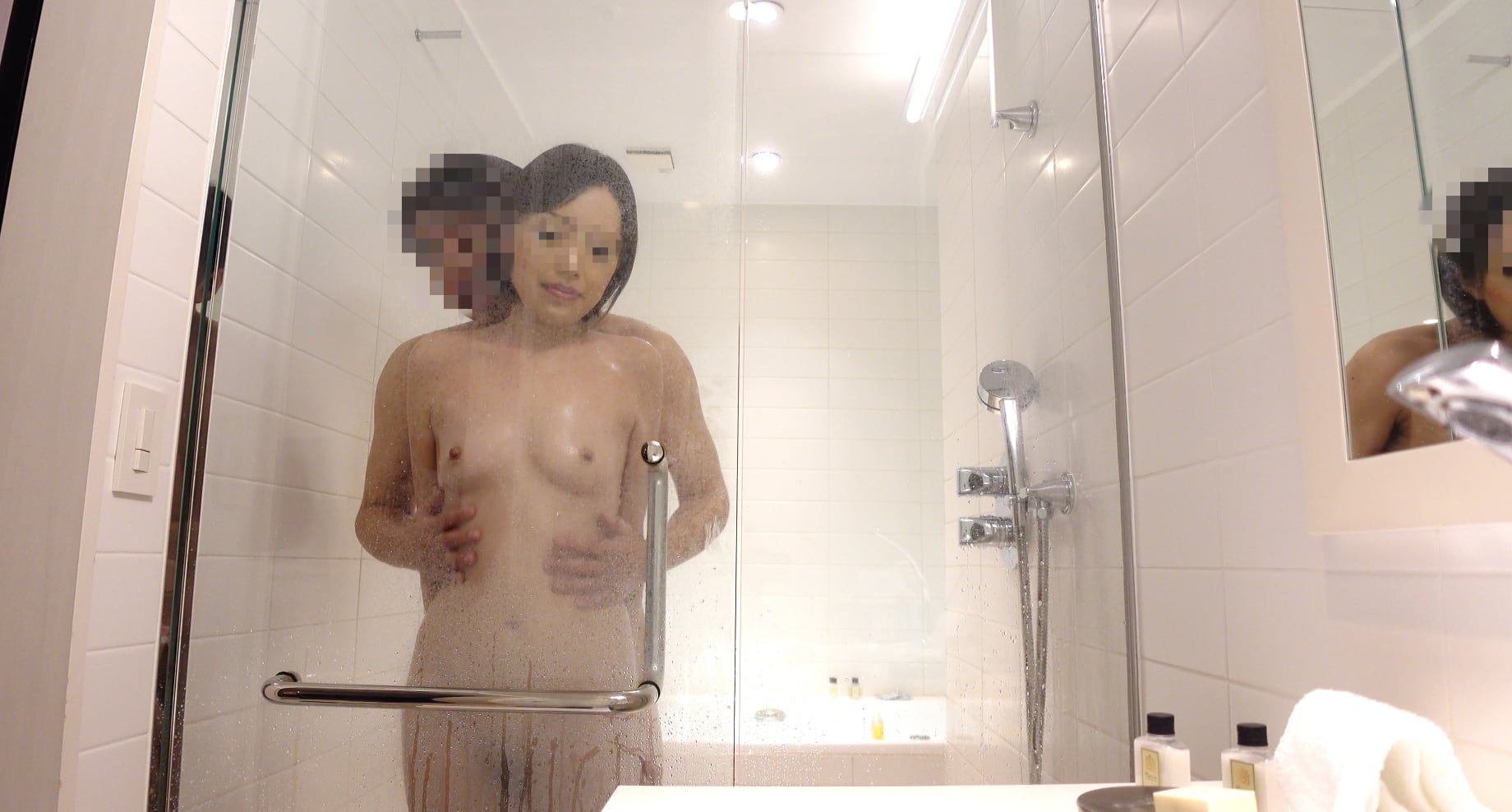 FC2 PPV 1736645 Roppongi Lounge Miss Rikako and Icha LOVE Sex ❤️ Hot air overflowing from the bathroom ❤️